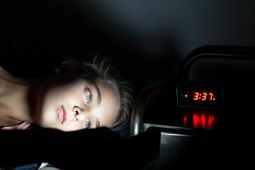 Muốn ngủ nhanh và sâu nên hạn chế dùng thiết bị điện tử