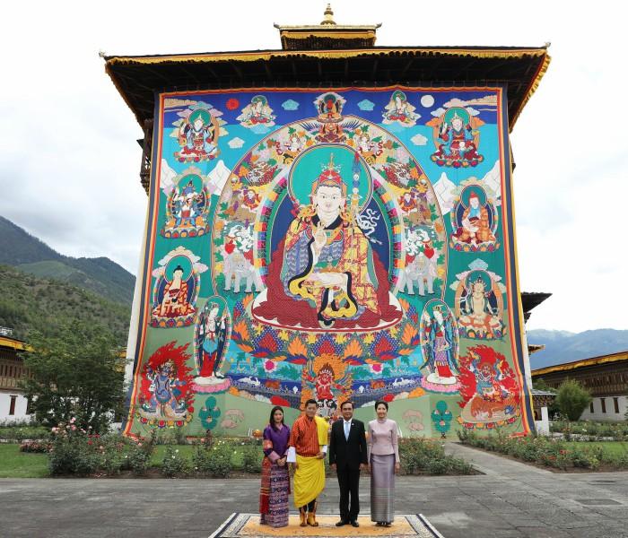 Các tu viện Phật giáo phát triển mạnh được hỗ trợ bởi hoàng gia.