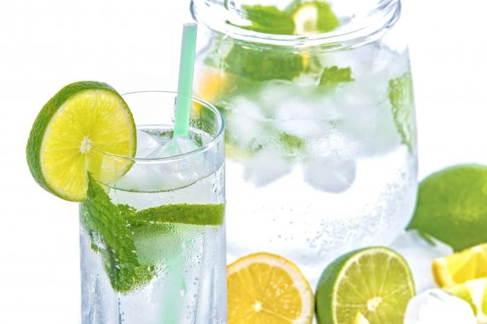 Nước chanh tươi có vô cùng nhiều tác dụng hữu ích với cơ thể