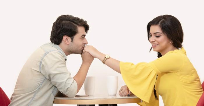 Người phụ nữ tỏa sáng trong mắt đàn ông là  người phụ nữ có vẻ ngoài dịu dàng, trang nhã và lịch sự; họ luôn được đàn ông trân trọng và lựa chọn