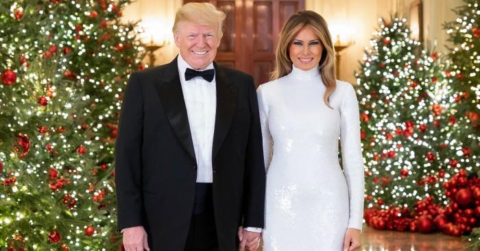 Ông Trump (sinh ngày 14 tháng 6 năm 1946) là đương kim Tổng thống Hoa Kỳ thứ 45. Trước đó, ông nổi tiếng với vai trò là một tỷ phú, doanh nhân, nhà sản xuất chương trình truyền hình.  Trump sinh ra và lớn lên ở Queens, một quận của Thành phố New York, theo học Đại học Fordham trong hai năm và nhận bằng cử nhân kinh tế của Trường Wharton thuộc Đại học Pennsylvania. Ông trở thành chủ tịch công ty kinh doanh bất động sản của cha mình vào năm 1971, sau đó đổi tên thành Tổ chức Trump và mở rộng hoạt động từ Queens và Brooklyn sang Manhattan. Công ty chuyên xây dựng hoặc cải tạo các tòa nhà chọc trời, khách sạn, sòng bạc và sân gôn. Trump sau đó đã bắt đầu nhiều dự án phụ khác nhau, chủ yếu bằng việc cấp phép tên của mình. Ông mua lại quyền sở hữu ba cuộc thi sắc đẹp là Hoa hậu Hoàn vũ, Hoa hậu Mỹ và Hoa hậu Tuổi Teen Mỹ vào năm 1996 và đã bán nó vào năm 2015.