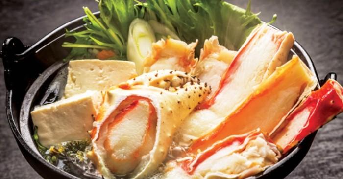 Với món lẩu cua king crab sau khi chuẩn bị nguyên liệu xong, chỉ chờ cả gia đình quây quần và thưởng thức