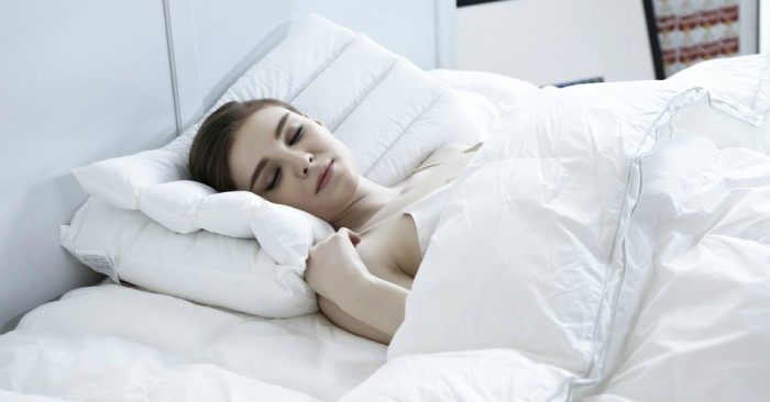 Ngủ giúp giảm cân đơn giản. Ngủ là một hoạt động tự nhiên theo định kỳ mà những cảm giác và vận động tạm thời bị hoãn lại một cách tương đối, với đặc điểm dễ nhận thấy là cơ thể bất tỉnh hoàn toàn hoặc một phần và sự bất động của gần như hầu hết các cơ bắp.