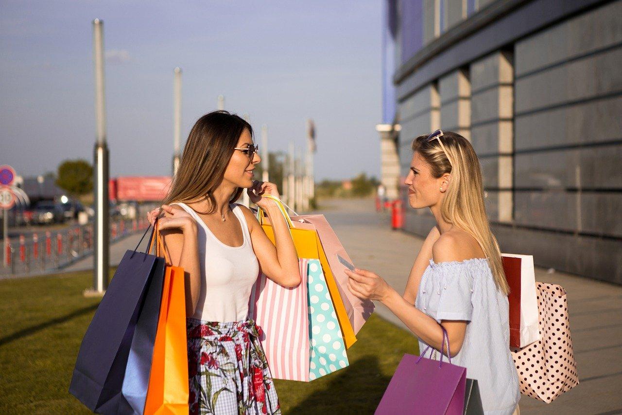 Mua sắm là các hoạt động mua hàng hóa, có thể dưới các hình thức mua sắm trực tiếp, hay mua sắm trực tuyến gián tiếp qua Internet. Các chứng chỉ xác nhận các hoạt động mua sắm có thể là hóa đơn, hợp đồng mua sắm