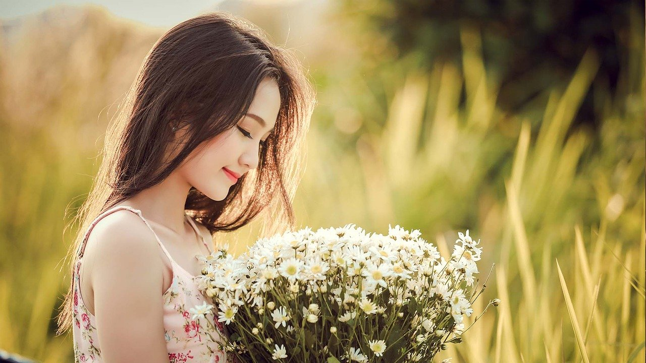 Người phụ nữ muốn hạnh phúc là người yêu biết thương chính mình. Họ sẽ luôn biết cách khiến mình tươi trẻ, yêu đời và không bao giờ ngược đãi bản thân