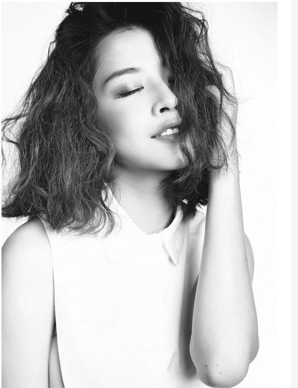 """Nguyễn Thùy Chi (sinh ngày 14 tháng 6 năm 1993 tại Hà Nội), thường được biết đến với nghệ danh Chi Pu, là một nữ diễn viên, ca sĩ, nhà sản xuất phim, người mẫu ảnh, người dẫn chương trình kiêm diễn viên lồng tiếng người Việt Nam. Cô được công chúng biết đến sau khi lọt vào top 20 của """"Miss Teen Vietnam 2009"""""""