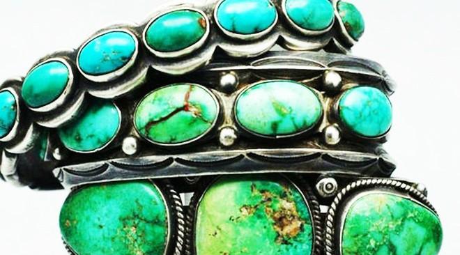 Ngọc lam là một khoáng chất phốt phát ngậm nước của nhôm và đồng, có công thức hóa học là CuAl6(PO4)4(OH)8.5H2O, có màu từ xanh nước biển ngả sang xanh lá cây, không trong suốt. Ngọc lam hiếm, có giá trị nếu tinh khiết và được ưa chuộng dùng làm trang sức và trang trí từ hằng ngàn năm nay vì màu sắc độc đáo của nó