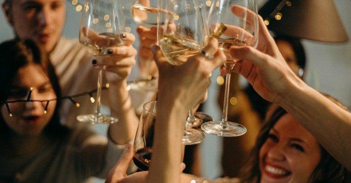 cách giải rượu nhanh hiệu quả chị em nên bỏ túi khi chồng bị say rượu