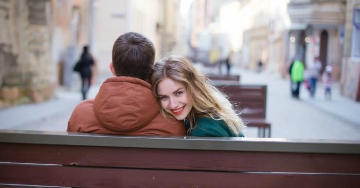 giữ chồng khi bạn vẫn còn cảm thấy người đàn ông đó cần và đáng để bạn giữ .