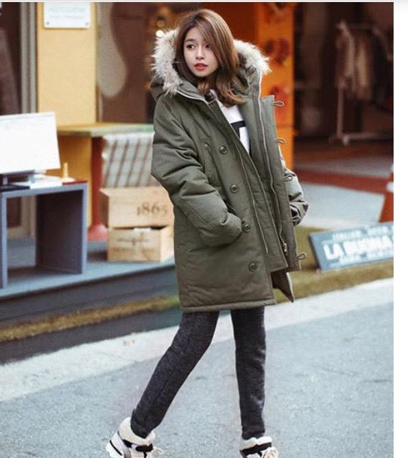 Áo khoác phao hay còn gọi là áo béo, là loại áo khoác dày, có mũ trùm đầu. Áo được may bằng loại vải không thấm nước, chống lại thời tiết rét lạnh và gió
