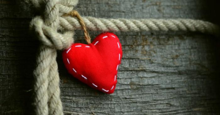 Tình yêu đích thực là gì. là khi biết buông bỏ cái tôi và sự ích kỷ.