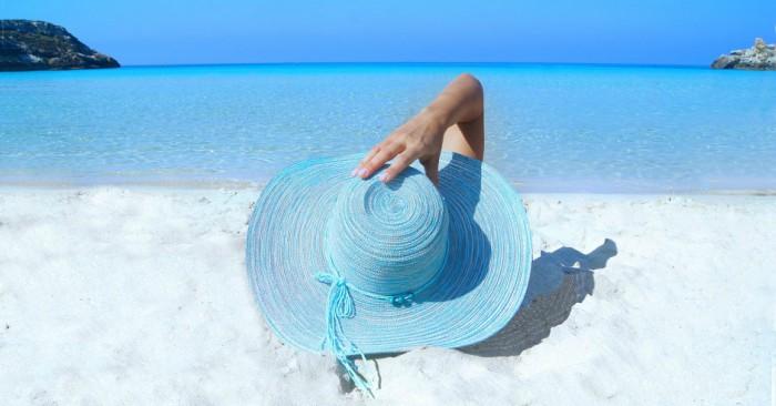 Giữa bộn bề lo toan cuộc sống, đôi khi ra biển hít thở cũng mang lại những giá trị tốt đẹp cho sức khỏe của bạn.