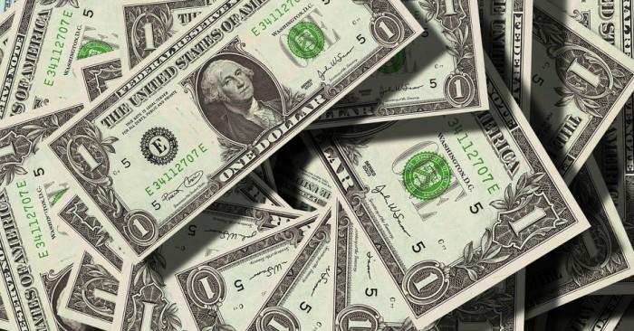 """Đồng đô la Mỹ hay Mỹ kim, USD (tiếng Anh: United States dollar), còn được gọi ngắn là """"đô la"""" hay """"đô"""", là đơn vị tiền tệ chính thức của Hoa Kỳ. Nó cũng được dùng để dự trữ ngoài Hoa Kỳ. Hiện nay, việc phát hành tiền được quản lý bởi các hệ thống ngân hàng của Cục Dự trữ Liên bang (Federal Reserve)."""