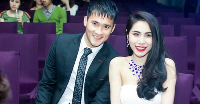 Thủy Tiên sinh ra và lớn lên tại Rạch Giá, Kiên Giang trong một gia đình người Việt gốc Hoa  Năm 1990, cha cô bệnh nặng rồi qua đời vì bệnh lao phổi. Năm 2003, Thủy Tiên chuyển lên học tại Thành phố Hồ Chí Minh. Ít lâu sau, cô trúng tuyển vào khoa thanh nhạc của trường Cao đẳng Văn hóa Nghệ thuật Thành phố Hồ Chí Minh, là sinh viên thanh nhạc chính quy khóa 9. Cũng trong năm này, cô đã gặp và làm quen với nhạc sĩ Quốc Bảo, và được nhạc sĩ này đồng ý hỗ trợ cô trong sự nghiệp âm nhạc. Được đánh giá là có chất giọng khỏe và trong trẻo, cô chọn gothic rock làm thể loại âm nhạc chính của mình.