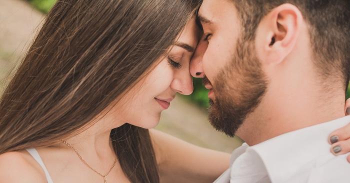 Tình yêu, hay ái tình, là một loạt các cảm xúc, trạng thái tâm lý và thái độ khác nhau dao động từ tình cảm cá nhân đến niềm vui sướng. Tình yêu thường là một cảm xúc thu hút mạnh mẽ và nhu cầu muốn được ràng buộc gắn bó
