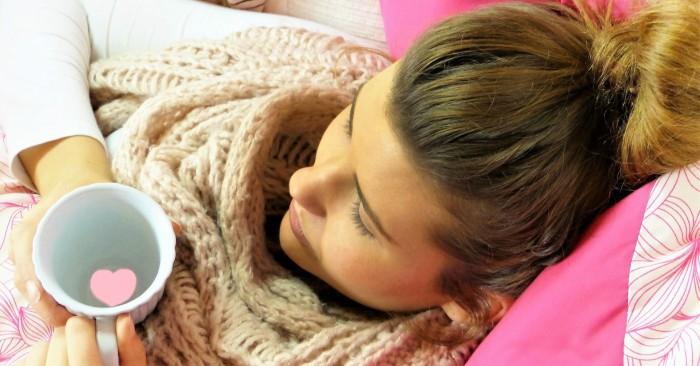 Cảm lạnh (còn được gọi là cảm, viêm mũi họng, sổ mũi cấp) là một bệnh truyền nhiễm do virus gây ra ở đường hô hấp trên nhưng chủ yếu ảnh hưởng mũi. Các triệu chứng gồm ho, đau họng, sổ mũi, hắt hơi và sốt thường tự hết trong vòng 7 đến 10 ngày, cũng có thể triệu chứng kéo dài đến hết tuần thứ 3