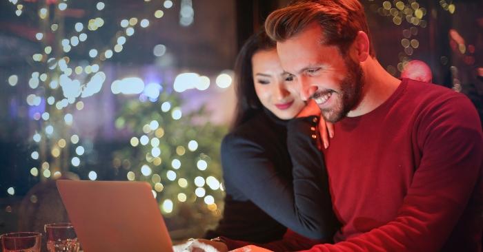 Chồng là một người đàn ông tham gia vào một mối quan hệ hôn nhân và cam kết trở thành một đối tác suối đời của một người vợ để thực hiện các quyền và nghĩa vụ của một người chồng về gia đình.