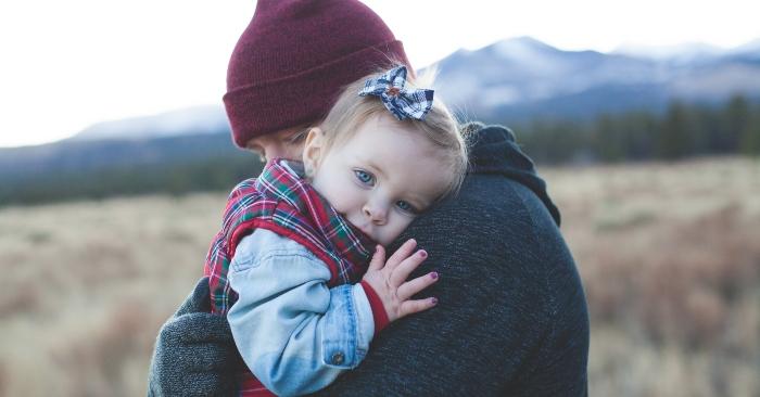 Tình mẫu tử là tình cảm thiêng liêng của người mẹ và người con, thể hiện sự gắn bó, quan tâm, chăm sóc, dưỡng dục..