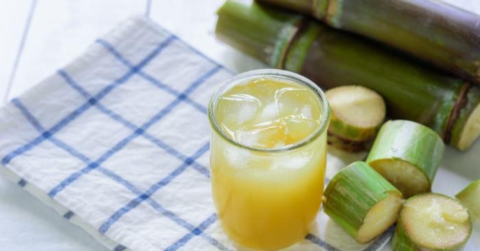Nước mía là một loại thức uống giải khát được làm từ mía bằng phương pháp xay ép cây mía để lấy nước. Loại đồ uống này được phổ biến ở châu Á, Đông Nam Á và Châu Mỹ Latinh