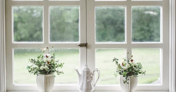 Luôn đóng kín các cửa, là cách chống nồm ẩm hữu hiệu nhất cho ngôi nhà.