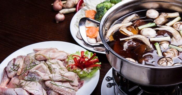Cách nấu lẩu Thái gà chua cay đơn giản
