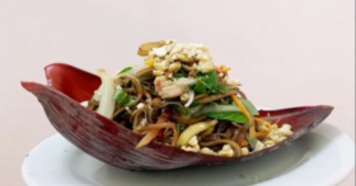 Nộm hoa chuối ( hay còn gọi là gỏi hoa chuối) là món ăn được nhiều người yêu thích và rất tốt cho sức khỏe