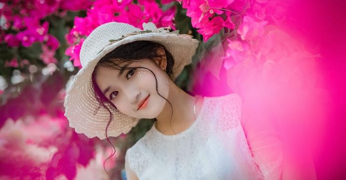 Vẻ đẹp trong trẻo thuần khiết của người con gái có trái tim thiện lương.