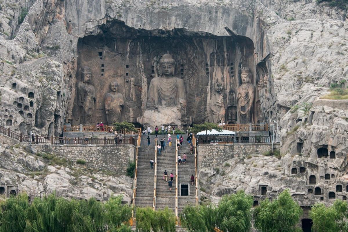 Tượng Phật Lư Xá Na