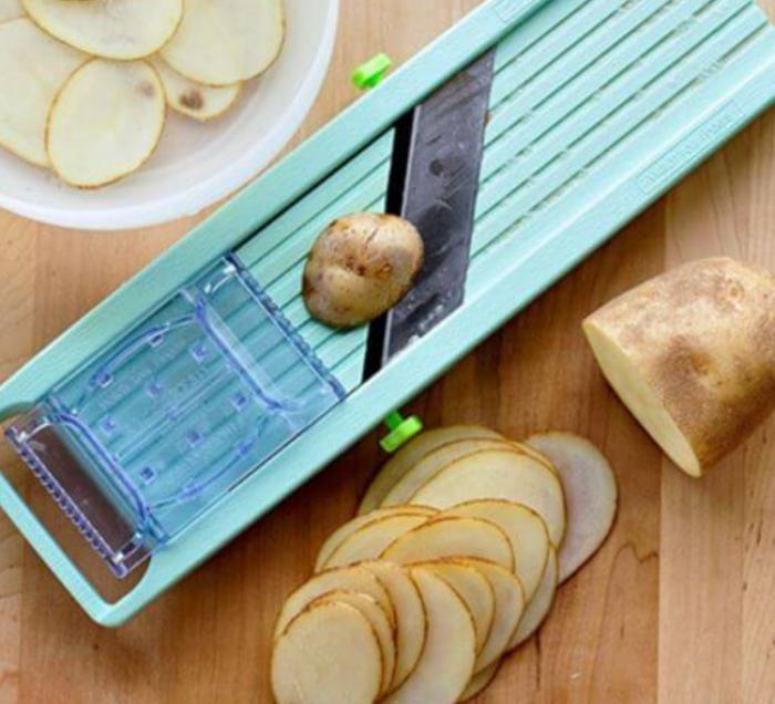 Cách làm bim bim khoai tây chiên giòn rụm cho bé