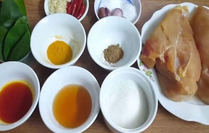 Sấy khô gà bằng lò nướng; Khô gà bơ tỏi; Sấy khô gà bằng nồi chiên không dầu; Khô gà bơ tỏi Posi; Cách làm khô gà bơ tỏi thơm ngon.