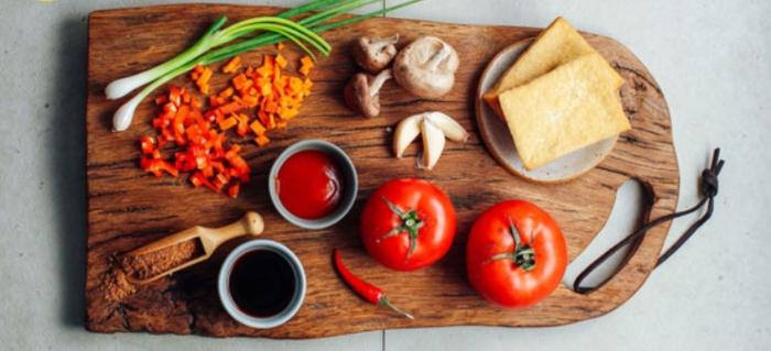 Chữa đục thủy tinh thể: Theo tài liệu Trung Quốc cho biết: Lấy thịt ngao mật cùng với thịt sò huyết, cốc tinh thảo (mỗi vị đều 50g), sao khô tán nhỏ. Gan lợn 100g, thái mỏng, nước cơm một bát to, cho vào cùng nấu cho nhừ, rồi mang ra ăn cả nước lẫn cái, ngày 1 lần trước khi đi ngủ. Ngao nấu bầu; Ngao nấu rau cải; Ngao nấu rau mồng tơi;