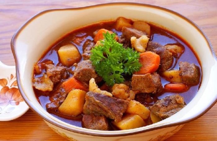 Thịt bò sốt vang ngũ vị hương; Cách nấu bò sốt vang bằng gói gia vị; Cách nấu thịt bò sốt vang miền Bắc; Cách nấu bò sốt vang ăn bánh mì; Cách làm sốt ngũ vị.