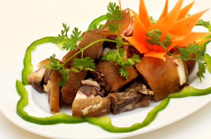 Món ngon từ đuôi bò; ; Cách nấu đuôi bò hầm đu đủ; Cách nấu đuôi bò hầm thuốc bắc; Cách nấu lẩu đuôi bò.