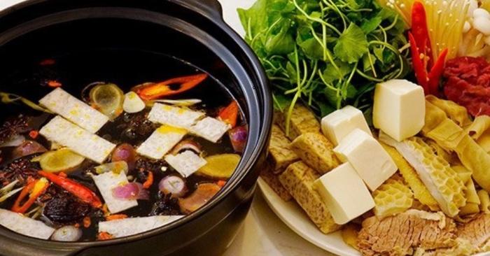 Để nấu được một nồi lẩu ngon cần phải có sự chu đáo từ khâu chọn lựa nguyên liệu đến sự kỹ lưỡng trong quá trình pha chế công phu