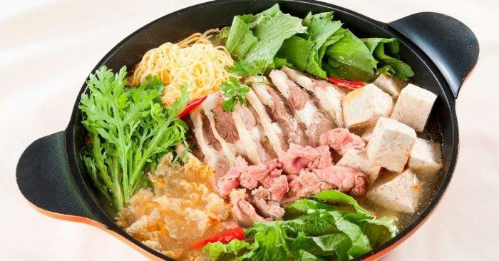 Cách nấu lẩu bò khoai môn thơm ngon hấp dẫn cho bữa ăn