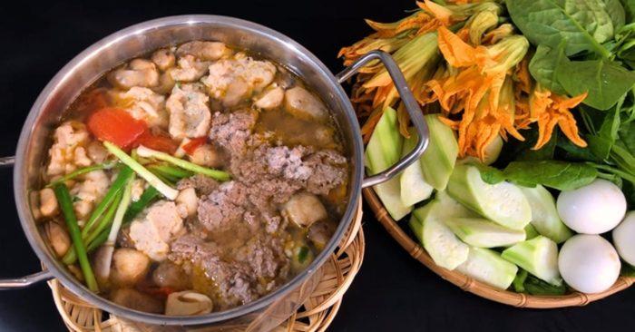 Cách nấu lẩu cua đồng hột vịt lộn không mùi tanh
