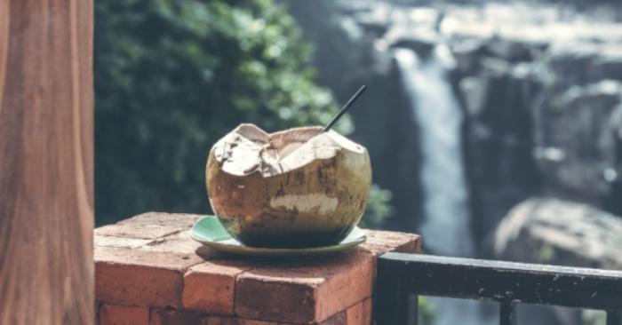 Tác hại của nước dừa tươi; Tác dụng của nước dừa đối với kinh nguyệt; Đàn ông uống nước dừa có tốt không; Uống nước dừa hàng ngày có tốt không; Uống nước dừa vào thời điểm nào là tốt nhất.