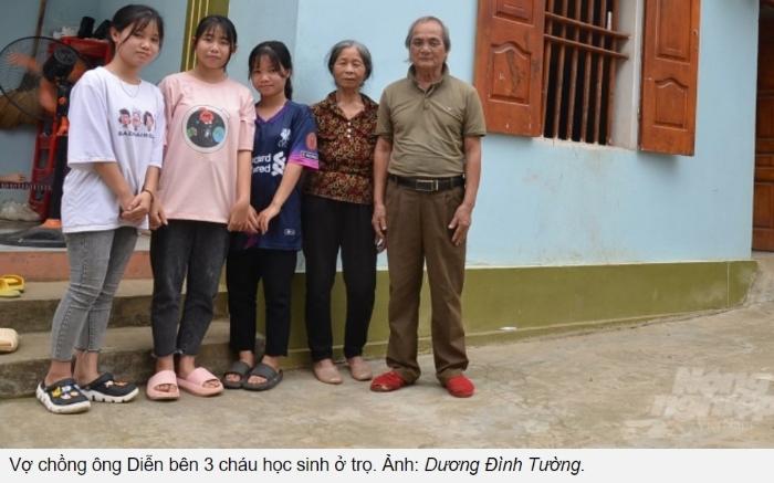 Cặp vợ chồng 60 năm nuôi học sinh ăn, ở miễn phí: 'Nhiều phụ huynh ép lấy tiền nhưng tôi quyết không nhận'...
