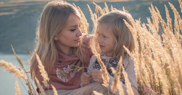 Câu hỏi định mệnh: Mẹ ơi, con từ đâu đến?...những câu hỏi hay; ai Giúp Em Trả Lời Những Câu Hỏi; Để Trả Lời Một Câu Hỏi Định mệnh; Định Mệnh con người từ đâu đến.