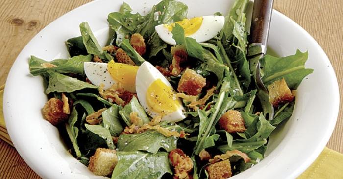 Salad rau món ăn giàu dinh dưỡng và rất tốt cho sức khỏe; đặc biệt tốt cho chị em phụ nữ khi muốn giảm cân.