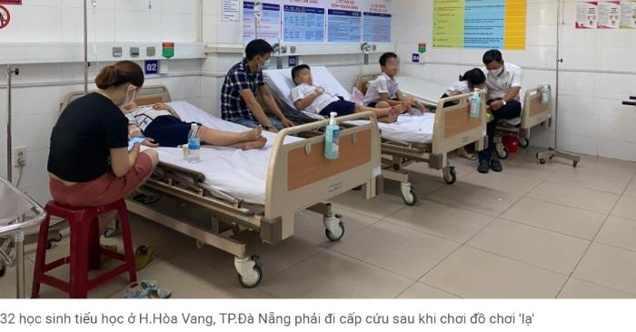 """Đà Nẵng: 32 học sinh tiểu học nhập viện sau khi dùng đồ chơi """"lạ""""."""