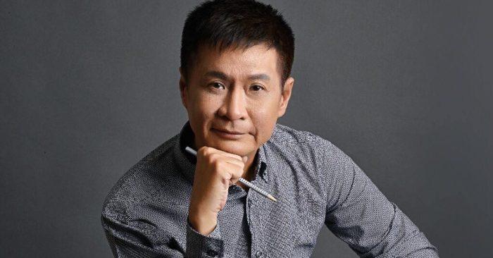 Lê Hoàng (sinh ngày 20 tháng 1 năm 1956 tại Hà Nội) là một đạo diễn điện ảnh của Việt Nam. Anh được biết đến từ thập niên 1990 trong vai trò đạo diễn của những bộ phim mang tính nghệ thuật nghiêm túc như Lưỡi dao hay Ai xuôi vạn lý, nhưng chỉ trở nên thật sự nổi tiếng với bộ phim Gái nhảy, một bộ phim giải trí thuần túy. Anh cũng tham gia viết bài cho một số báo như Tuổi trẻ Cười, Thể thao & Văn hóa... Các bài viết của anh thường ký bút danh theo tên vợ là Lê Thị Liên hoan và viết theo phong cách phỏng vấn giả tưởng hoặc châm biếm.