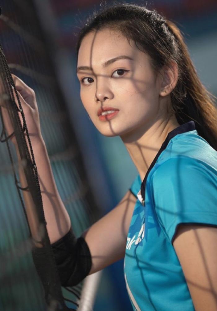 Người đẹp bóng chuyền bị kỷ luật đã gây sốt với báo Trung Quốc