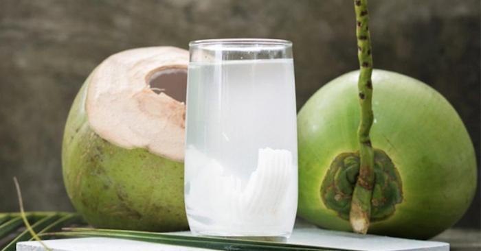 Nước dừa được dùng làm đồ uống phổ biến ở các nước nhiệt đới, đặc biệt là vùng Đông Nam Á, các đảo Thái Bình Dương và Caribe.