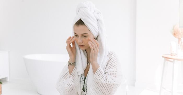 Phèn chua có tác dụng tuyệt vời trong làm đẹp; giúp chị em có làn da tráng khỏe rạng rỡ.