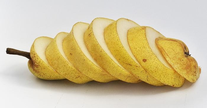 Quả lê chứa nhiều chất xơ, giàu vitamin và khoáng chất. Loại quả này có mùi vị rất thơm ngon và dễ ăn. Nó còn là vị thuốc quý chữa nhiều bệnh, đăch biệt là các bệnh hô  hấp.