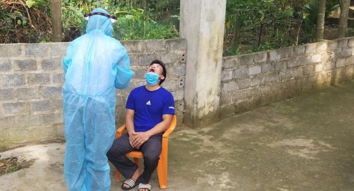 Bệnh nhân Covid-19 trốn cách ly 'đi ăn thịt chó' bị khởi tố