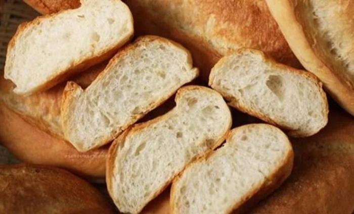 Cách làm bánh mì bơ tỏi ngon như Pizza Hut... Cách làm bánh mì sandwich bơ tỏi; Cách làm bánh mì bơ tỏi phô mai bằng chảo.