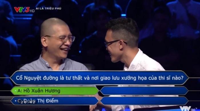 """Nhiếp ảnh gia Trần Tuấn Việt mạnh dạn """"đoán bừa"""" và giật giải lớn ở chương trình Ai là triệu phú"""