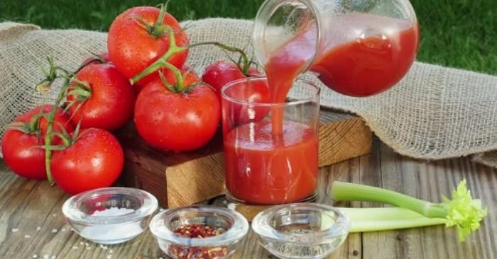 công thức nước ép cà chua; uống nước ép cà chua vào lúc nào để giảm cân; uống nước ép cà chua đúng cách;